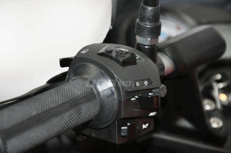 Moto Bajaj Rouser 135