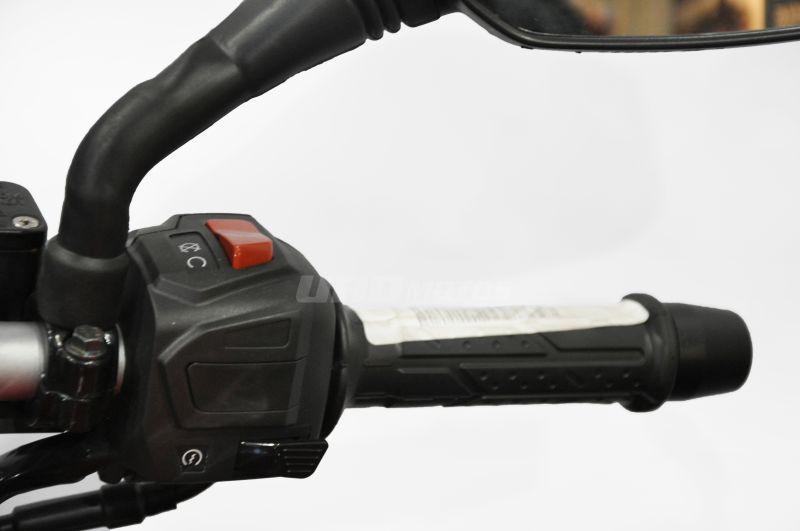 Moto Bajaj Rouser 160 NS
