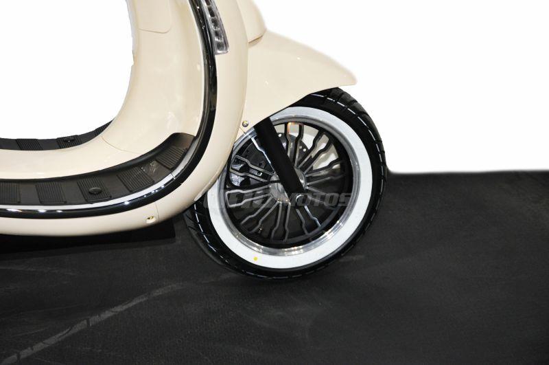 Moto Beta Tempo 150 Deluxe Parabrisas y Baul linea 2020