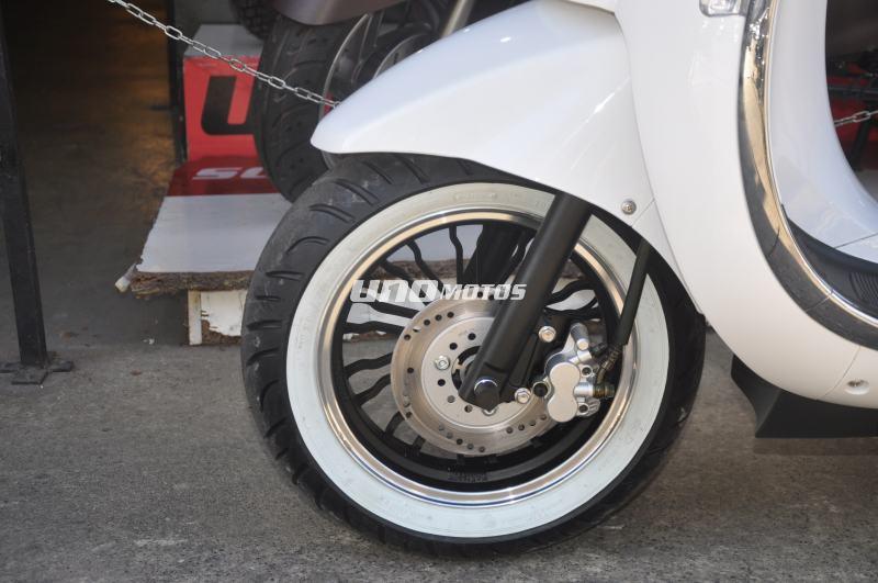 Moto Beta Tempo 150 Deluxe Parabrisas y Baul