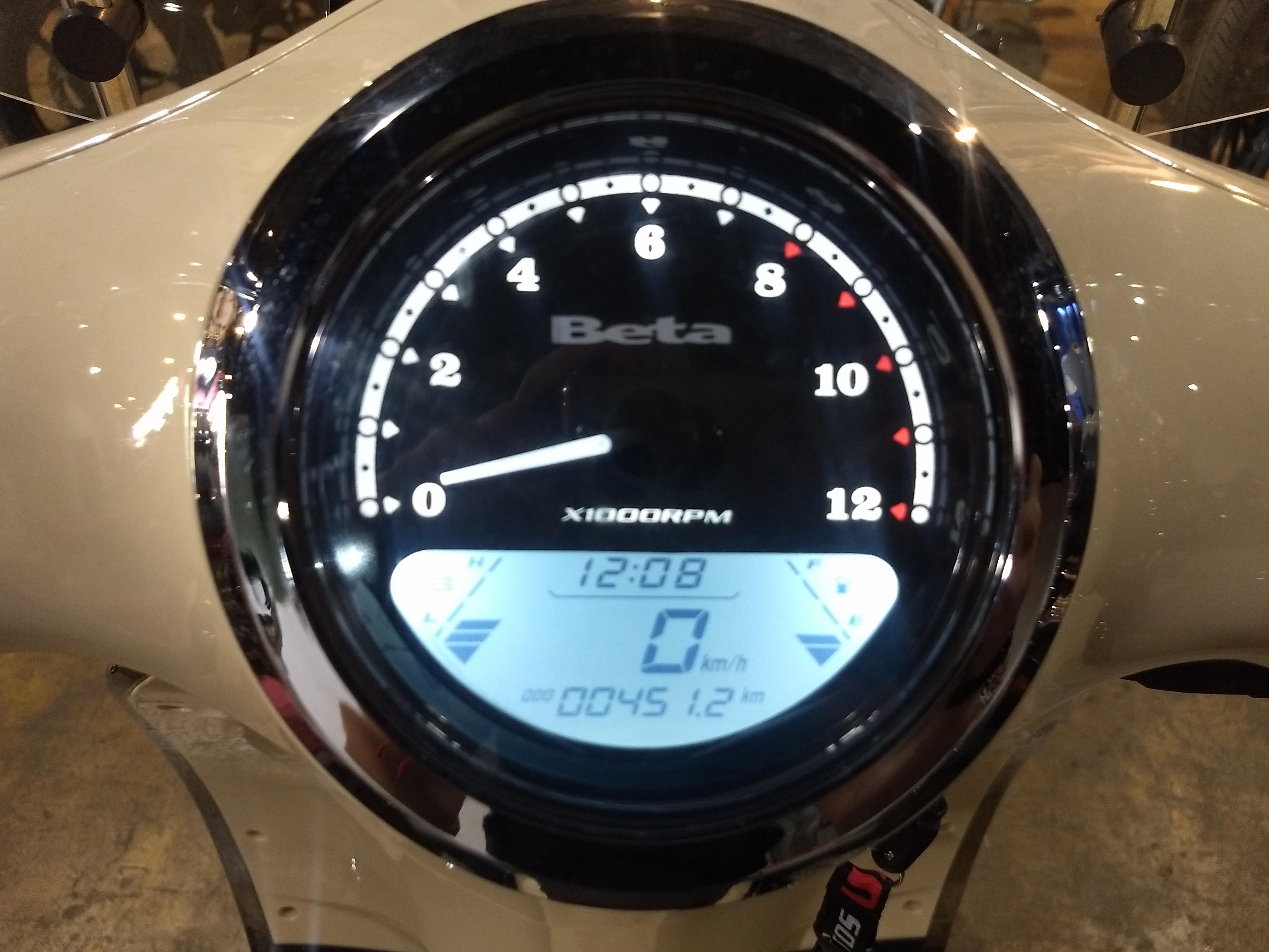 Moto Beta TEMPO 150 USADA 2017 CON 440KM, INT 20136