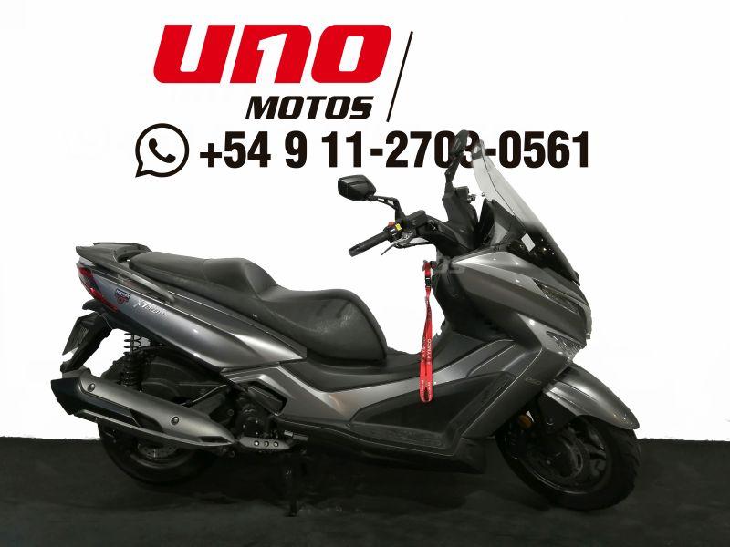 Moto Kymco X Town 250i usado 2018 con 7779km