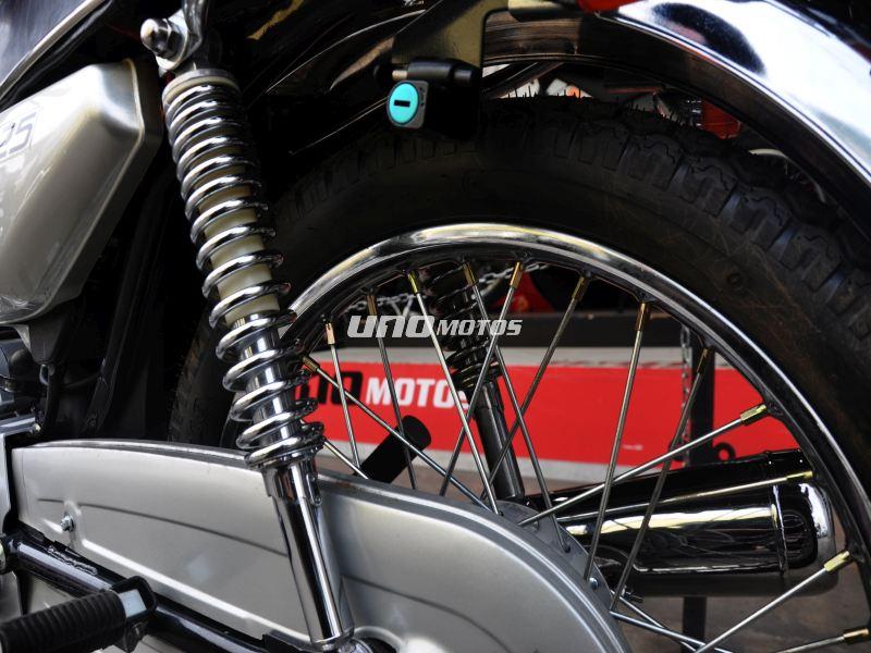 Moto Motomel CG 125 linea 2013