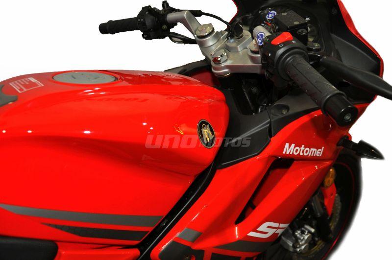 Moto Motomel SR 200R pista linea 2019