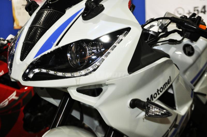 Moto Motomel SR 200 R pista linea 2020