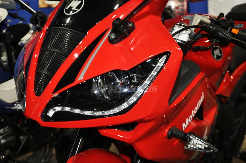 Moto Motomel SR 200 R pista linea 2018