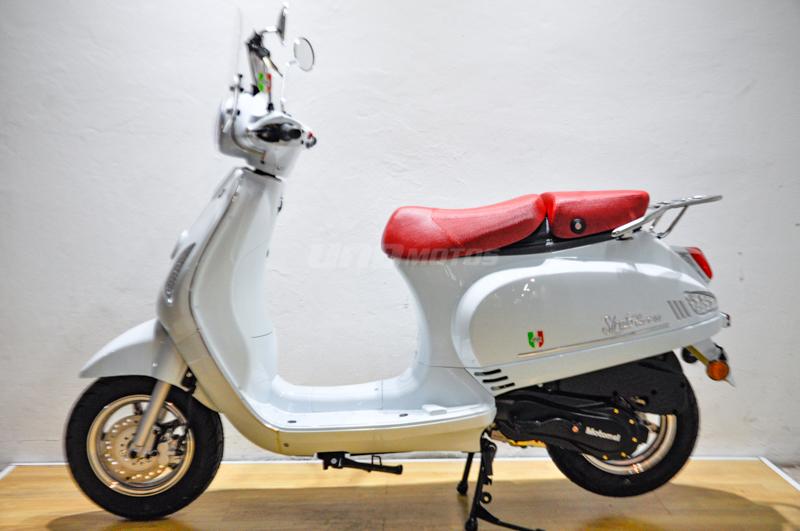 Moto Motomel Strato Euro 150cc tipo Vespa 2021