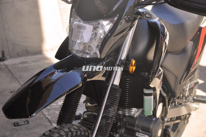Moto Zanella ZR 250 GT sin Baul laterales GTA